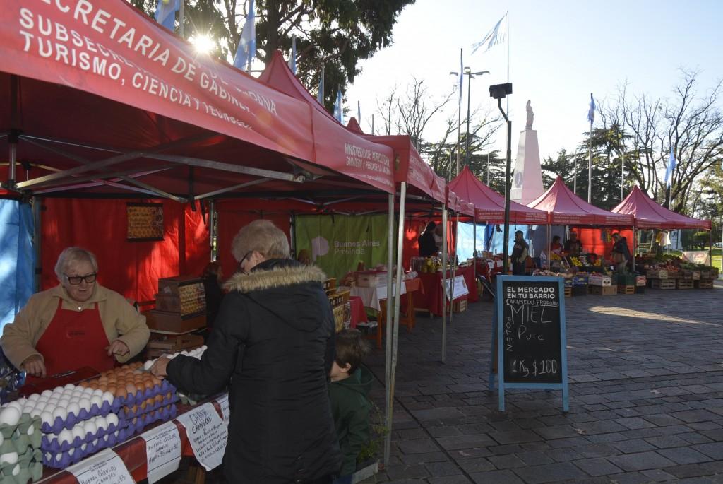 Los Productores Locales estarán en la Plaza Eduardo Costa