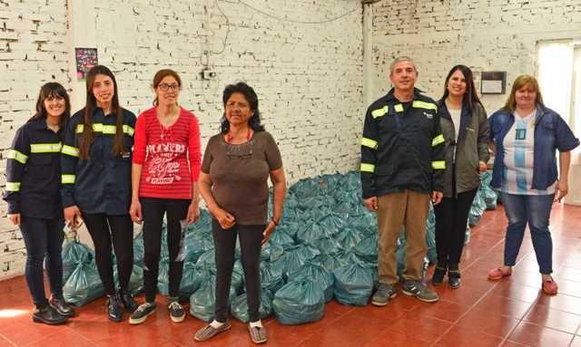 Se entregaron los 4 mil kilos de alimentos no perecederos reunidos en la 10K Tenaris