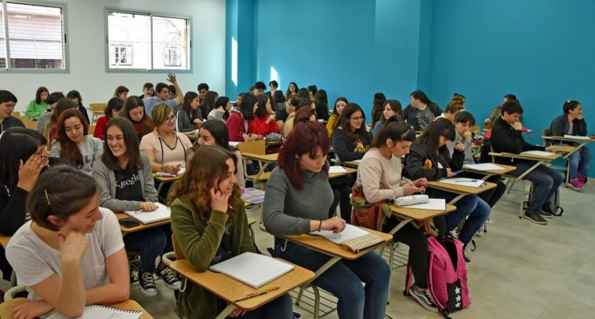Más de 500 alumnos del CBC ya disfrutan del nuevo CEM