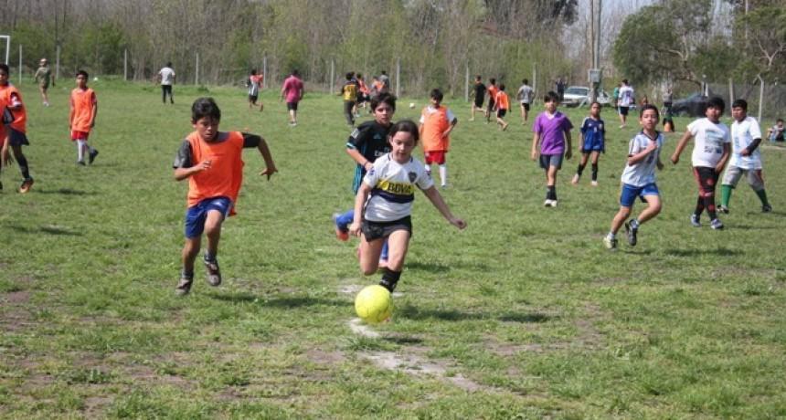 Escuelas municipales de fútbol infantil compartieron un encuentro