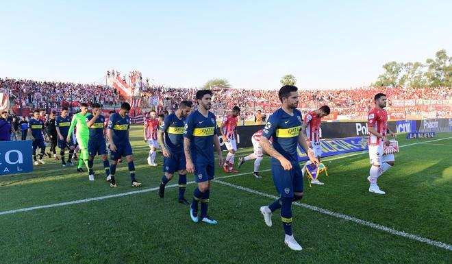 Luego de un primer tiempo donde fue superado Boca Juniors lo resolviò en el final