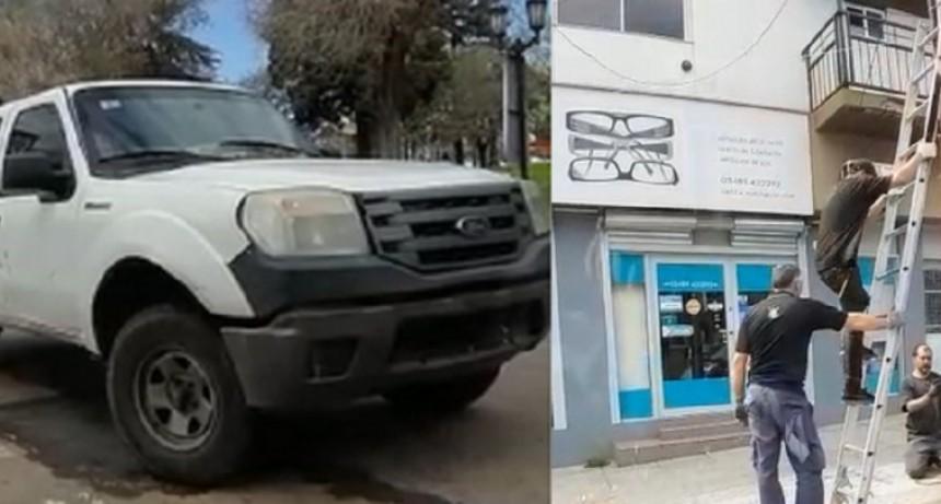 Denuncian el uso de recursos municipales para la colocación de cartelería de Juntos por el Cambio
