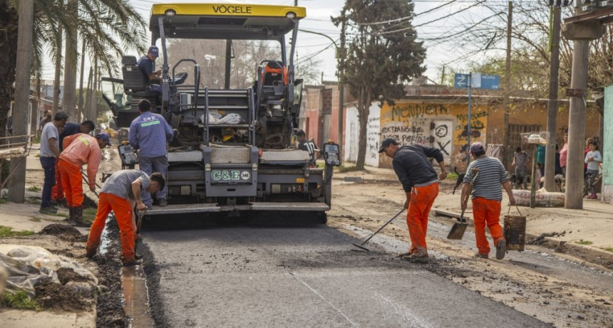 Lubo: comenzó las obra de repavimentación del principal acceso al barrio