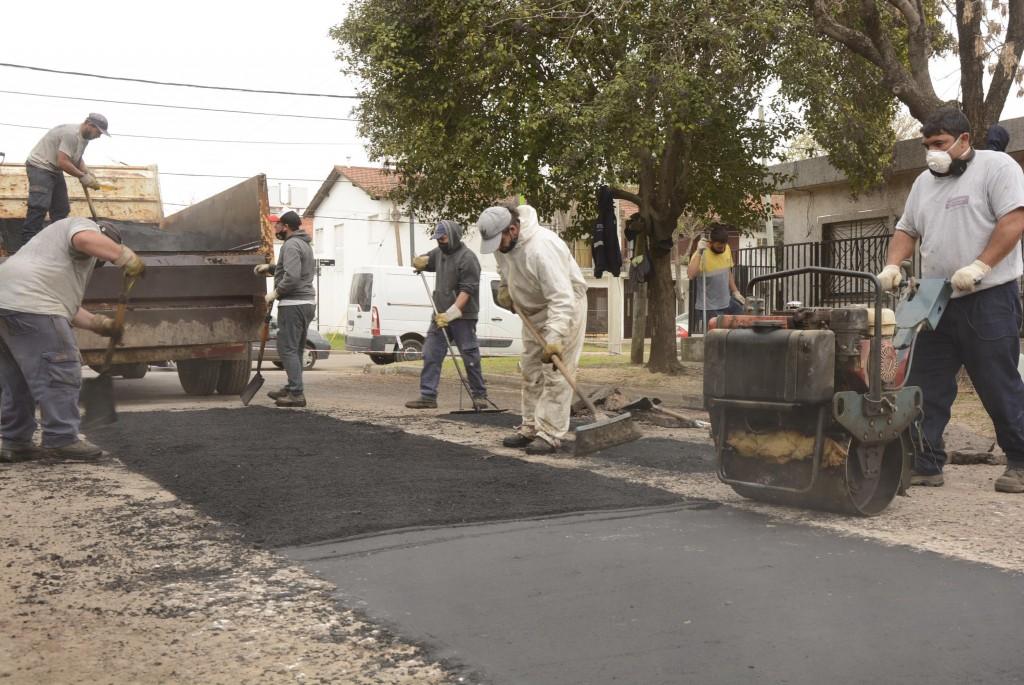 Plan de bacheo: el Municipio reparó la calle Beruti