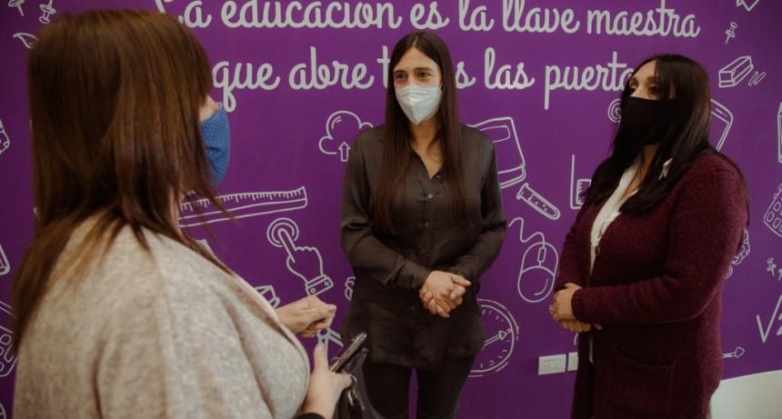 """Elisa Abella: """"Buscamos que más vecinos puedan terminar la secundaria"""""""