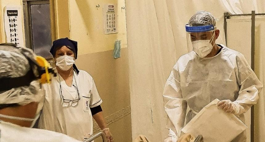 La guardia del Hospital San José atiende a cientos de vecinos por día y vive en primera persona la lucha contra el Covid - 19