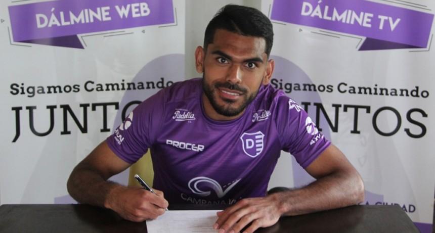 Santiago Moyano continuará en Villa Dálmine