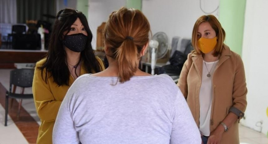 Hipoacusia: buscan que personal municipal  se capacite en lenguaje de señas