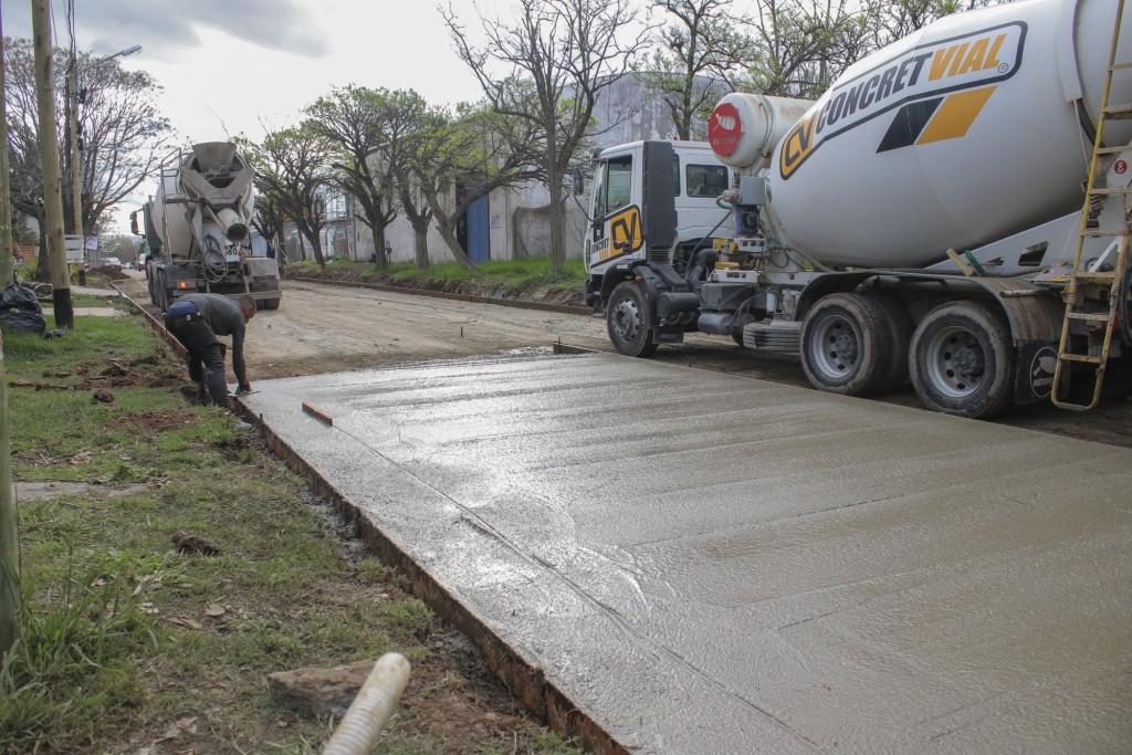 El Municipio pavimenta las dos únicas calles del casco céntrico que quedaban de tierra