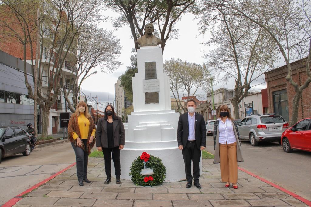 El Intendente encabezó el homenaje por el Día del Maestro