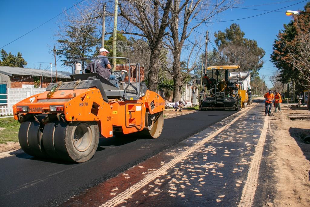 El barrio San Jacinto suma nuevas calles de asfalto