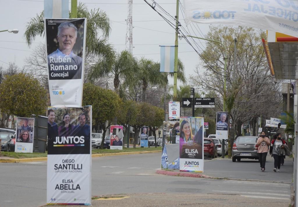 El Municipio retira la cartelería electoral instalada en la vía pública