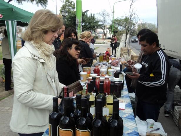 """Mañana, a la Plaza """"1° de Mayo"""" y """"España"""", llega el Programa """"Fruta y Verdura para Todos"""""""