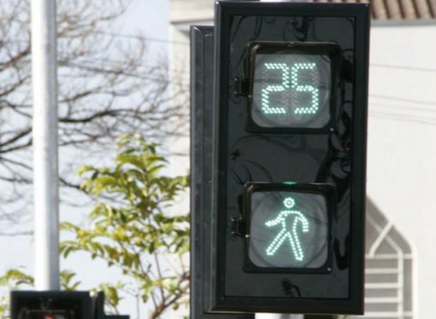 Proponen la instalación de semáforos temporizadores para nuestra ciudad.