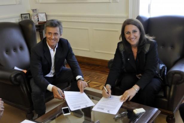FIRMA DE CONVENIO PARA EL ULTIMO TRAMO DE LA OBRA BUENOS AIRES - ROSARIO