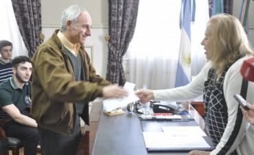 """La EET N°1 """"Luciano Reyes"""" recibió un subsidio de manos de la Intendente Giroldi"""