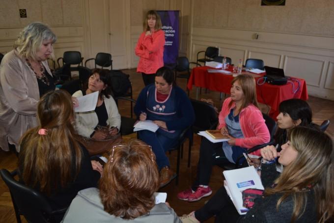 Docentes de la ciudad siguen capacitándose sobre alfabetización inicial