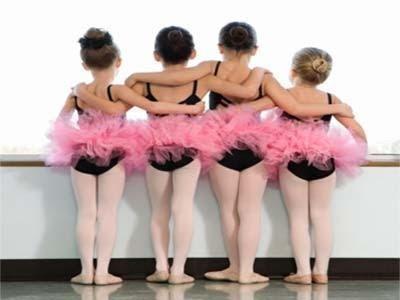 Comienza un nuevo taller municipal de danzas varias