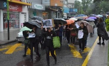 Campana también marchó contra los femicidios y la violencia de género