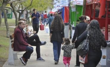 Sabores, colores y tradiciones del mundo en la plaza Eduardo Costa
