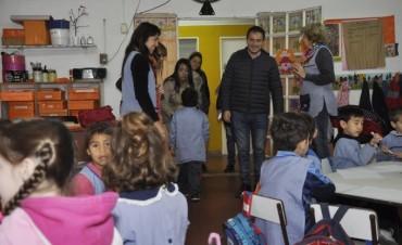 El Intendente visitó el Jardín de Infantes Nº 912