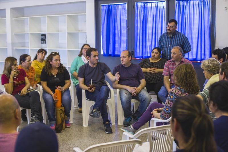 El Intendente les contó a vecinos de Santa Florentina, Malvinas y Federal sobre las obras iniciadas