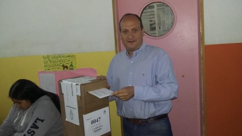 Sergio Roses emitió su voto