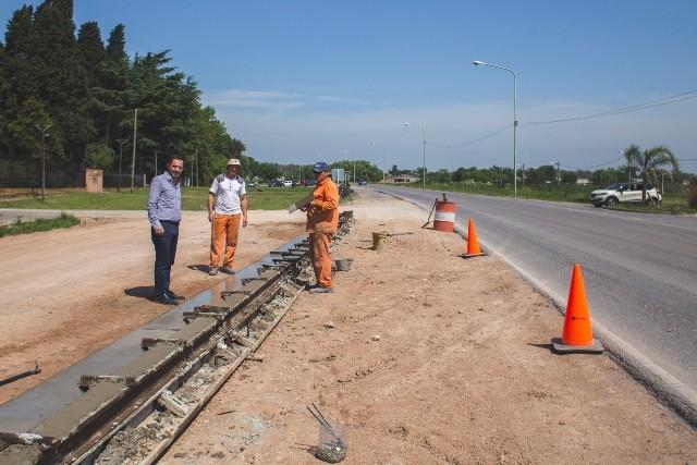 Ampliación de la avenida Rivadavia: comenzó la construcción de los cordones cunetas del parterre central