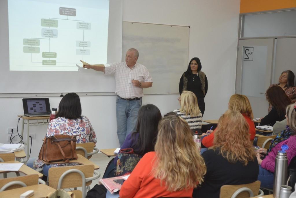 Tutores y formadores participaron de una jornada educativa