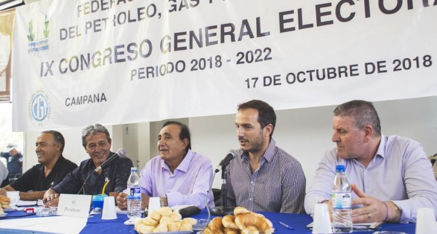 Pedro Milla elegido en el Congreso Nacional realizado en Campana como Secrtario General de la Federaciòn de Petroleros