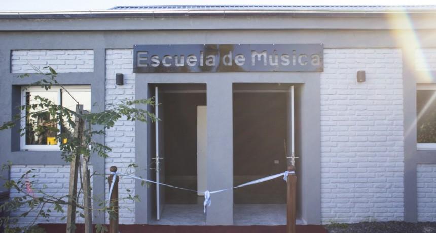 """La Escuela Municipal de Música invita al taller """"La voz y el movimiento"""""""