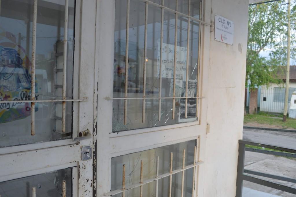 Vecinos reclaman por la atención en el CIC de Barrio Lubo