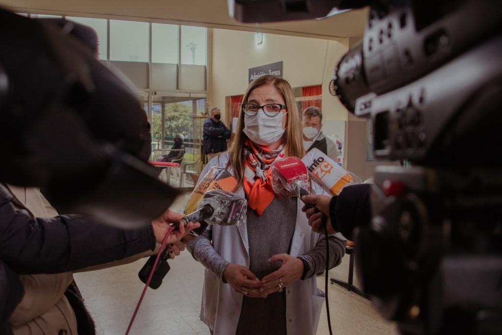 COVID-19: los hisopados positivos realizados en laboratorios privados deben  notificarse al sistema de salud
