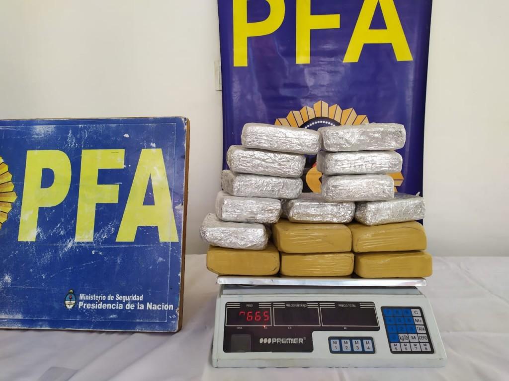 Seguridad: la Policía Federal Argentina desarticuló a una organización dedicada a la venta de drogas ilegales en la provincia de Buenos Aires y en CABA