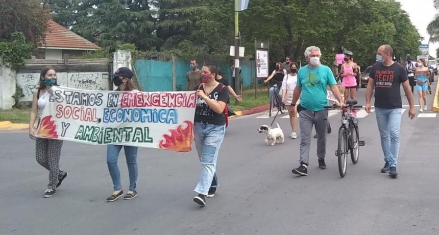 Colella  : La gente salió a la calle para impedir  que sigan contaminando la Ciudad