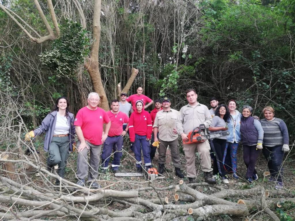 Defensa Civil participó de una jornada de trabajo para erradicar especies exóticas invasoras del Parque Nacional Ciervo de los Pantanos