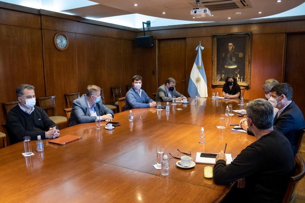 MINISTROS DE SALUD DE TODO EL PAÍS ACORDARON AVANZAR CON LA VACUNACIÓN PEDIÁTRICA CONTRA LA COVID-19