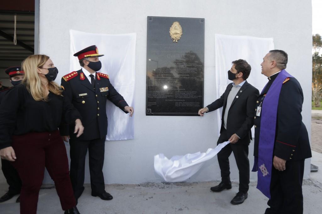 TAPALQUÉ : Kicillof participó de la inauguración del primer centro de entrenamiento de bomberos voluntarios