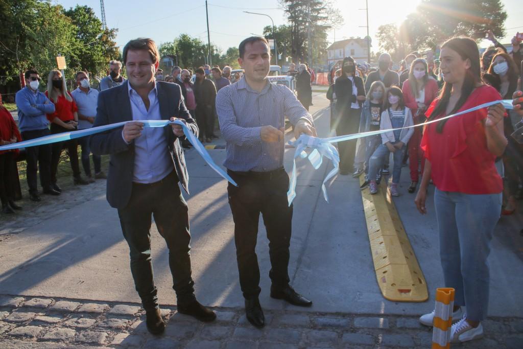 Abella encabezó la apertura de la calle de la nueva Costanera en un hecho histórico para la ciudad