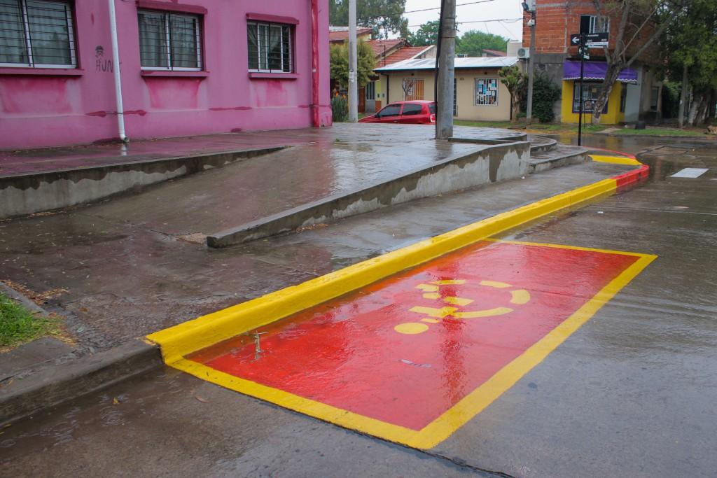 El Municipio realizó nuevas tareas de señalización vial en establecimientos educativos