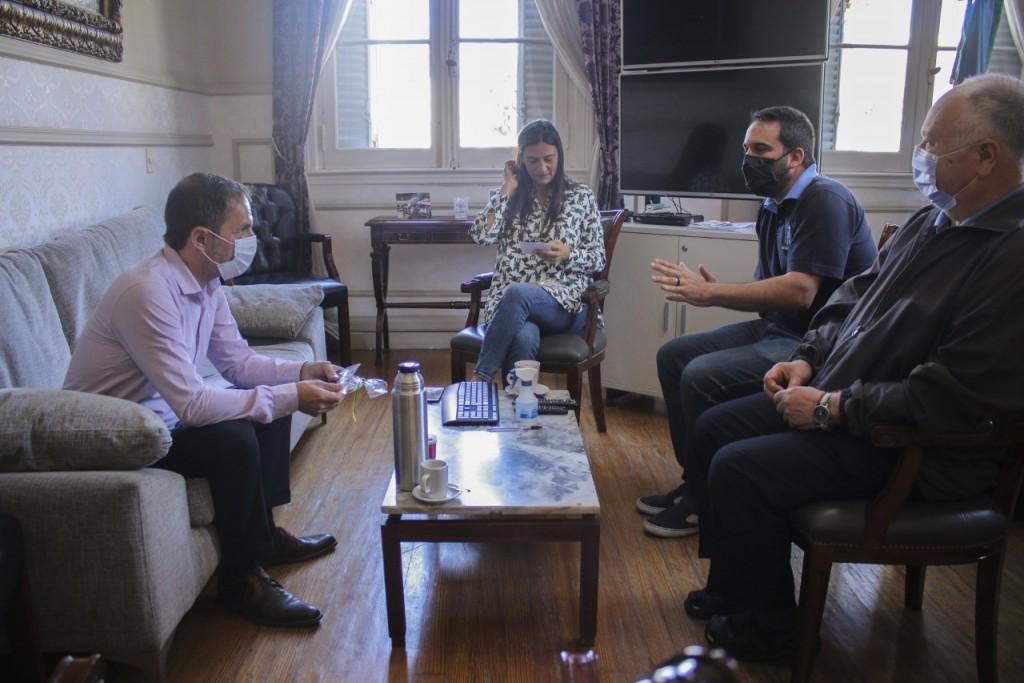 El Intendente se reunió con los padres Guarino y Golán