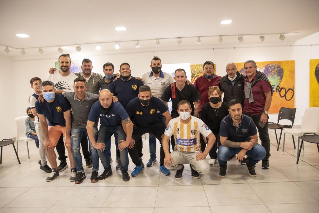 El Intendente recibió al equipo Senior de Puerto Nuevo que se consagró campeón