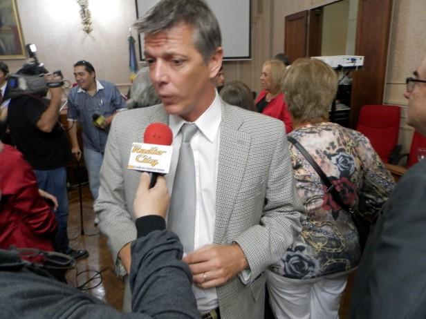Axel Cantlon solicitó informes por deficiencias en las prestaciones de IOMA