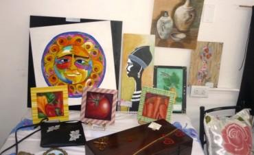 El Taller Municipal de Pintura expuso en la Casa de los Talleres