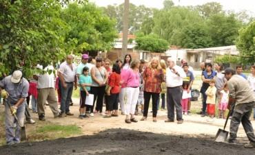 El barrio El Destino sigue sumando calles asfaltadas