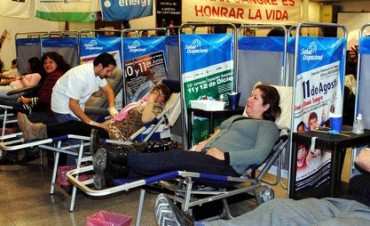 AXION energy invita a la segunda etapa de su campaña de donación de sangre 2014
