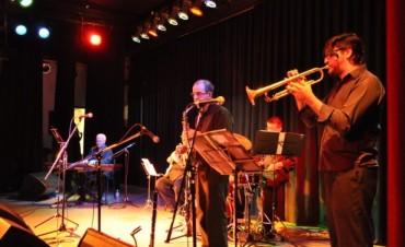 "La música jazz engalanó el Teatro ""Pedro Barbero"""