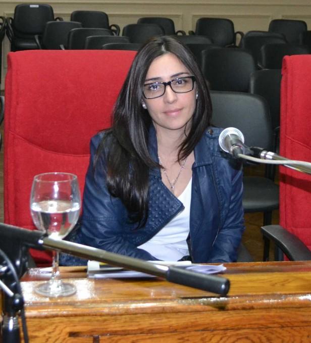 Marina Casaretto en la primera sesión de Noviembre del Honorable Concejo Deliberante