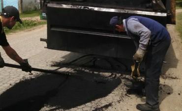 El Municipio desarrolló obras de bacheo en Barrio San Cayetano