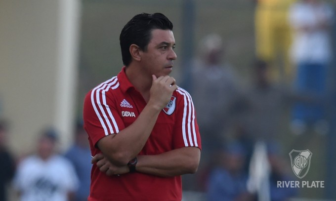 River Plate intentando sumar recibe a Huracàn